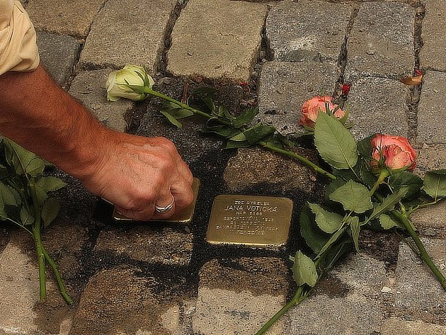 Kameny zmizelých byly položeny v Kutné Hoře