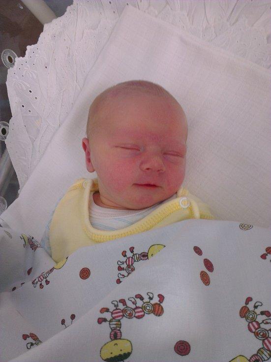 Sabinka Kosíková se narodila 28. června v 13:27 v Čáslavi. Vážila 2940 gramů a měřila 49 centimetrů. Doma v Čáslavi ji přivítali maminka Jaroslava, tatínek Milan a sestra Adéla.