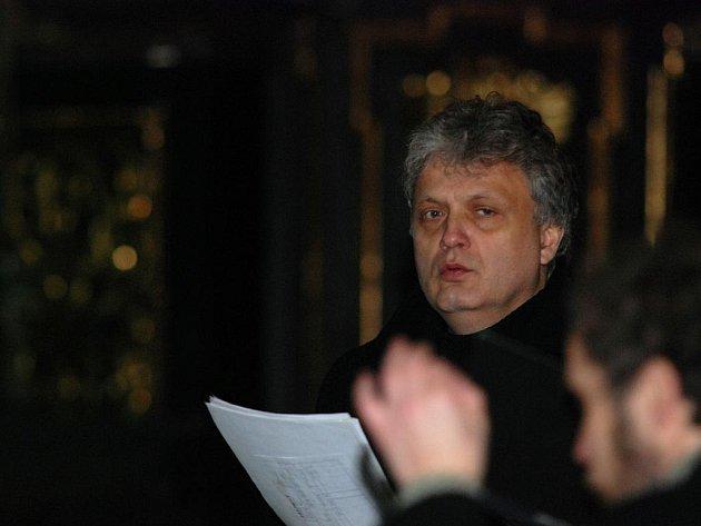 Adventní koncert komorního pěveckého souboru Cantica v kostele sv. Jakuba v Kutné Hoře.