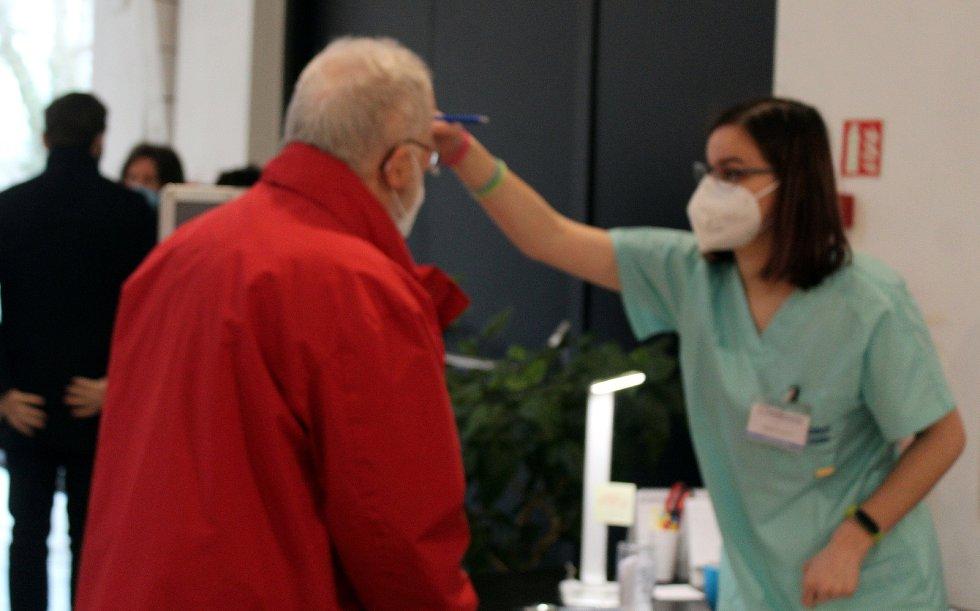 Z oficiálního zahájení provozu očkovací centra v nových prostorách kongresového centra Galerie Středočeského kraje v Kutné Hoře.