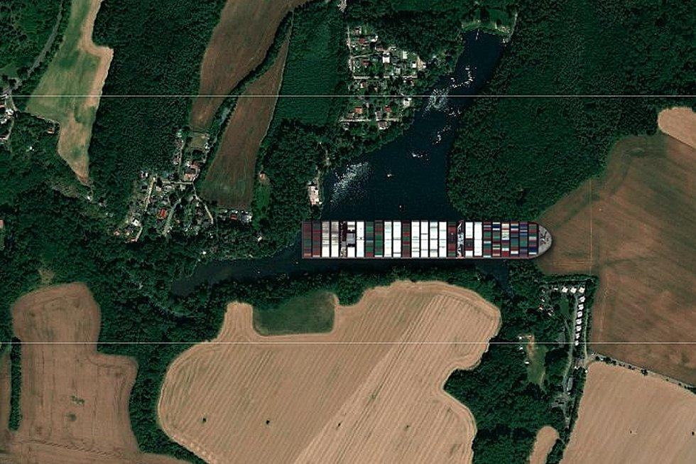 Kontejnerová loď Ever Given na Velkém rybníku u Kutné Hory.