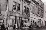 Prodejna Eva v Husově ulici v Kutné Hoře byla otevřena v roce 1982.