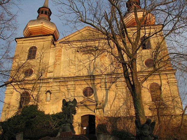 Kostel Nejsvětější Trojice ve Zbyslavi.