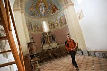 V kostele sv. Jakuba Staršího v Jakubu.