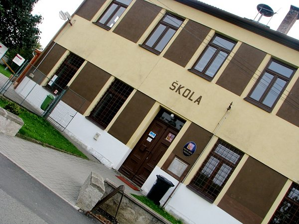 Budova třebešického úřadu, kde již 25.října vhodí první voliči do uren své hlasy.