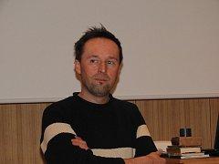 V Čáslavi přednášel David Bartoň.