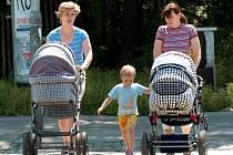 Maminky s kočárky to někdy nemají jednoduché.