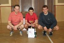 Vítězem nohejbalového klání v Čáslavi se stalo družstvo Českého Brodu, které hrálo ve složení: Hahn, Vedral a Sýkora (zleva)