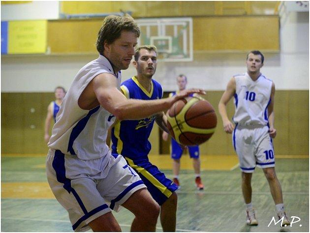 Basketbalisté Kutné Hory prohráli s Mladou Boleslaví B, 17. listopadu 2013.