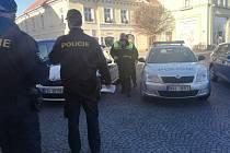 Policejní kontrola ubytovacích zařízení v Čáslavi.