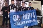 Spartan David Doubrava (uprostřed) reprezentující také domácí Olympia Spartan Training Kutná Hora zvítězil dvakrát ve své věkové kategorii 15 až 17 let.