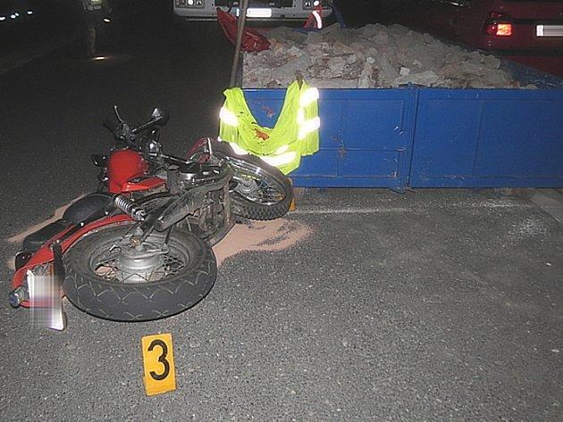 Motorkář boural pod vlivem alkholu