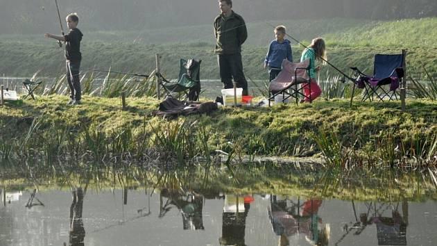 Rybářské závody v Kácově.