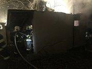 Hasiči likvidovali požár kůlny v Cerhenicích