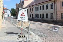 Oprava ulice Na Náměti.