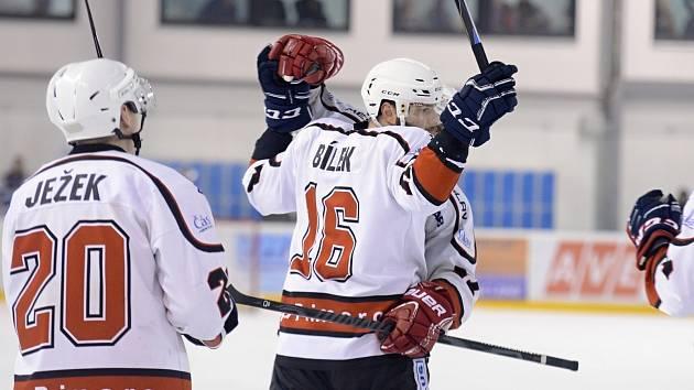 Třetí zápas semifinále play off krajské hokejové ligy mezi Čáslaví a Mělníkem.