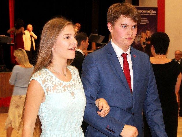 Prodloužená kurzu B Taneční školy Antonína a Jany Novákových.