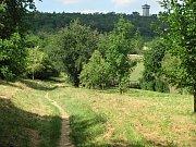 Úvozová cesta z kutnohorského sídliště Šipší na Kaňk.