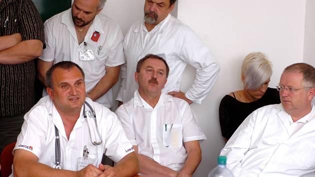 Z návštěvy středočeského hejtmana v kutnohorské nemocnici 14. 5. 2009