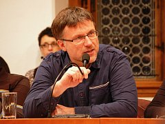 Karel Koubský na jednání zastupitelstva 16. prosince 2014.