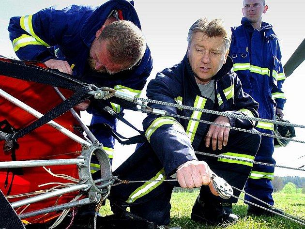 Trénink hasičů s Bambivakem, Zbraslavice 29. 4. 2010