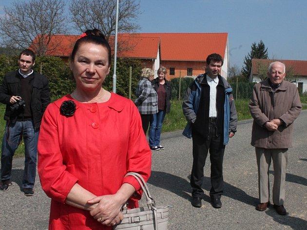Připomenutí sedmdesátého výročí úmrtí Aloise Musila v Otrybech 12. dubna 2014.