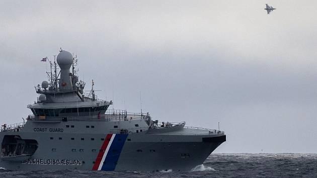 Islandské plavidlo Thor nacvičovalo hlavně evakuaci na moři