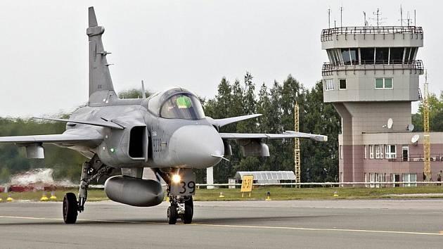 Čáslavská letecká základna znovu ožila, letouny se vrátily z Pardubic.