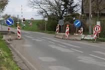 Rekonstrukce mostu u železničního přejezdu v části Kalabousek u Čáslavi bude zahájena v pondělí 20. března.