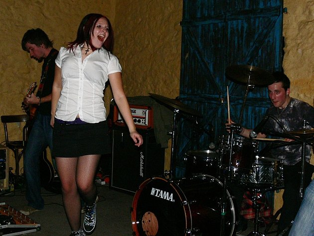 Z koncertu Báry Zemanové a její kapely v klubu Česká 1 v Kutné Hoře.