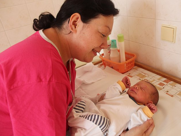 Filip Vetešník se narodil 11.září 2017 v Čáslavi. Po porodu vážil 3200 gramů a měřil 50 centimetrů. Tatínek Michal a maminka Markéta jej přivítají doma v Kutné Hoře.