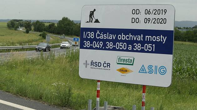 Dopravní omezení na čáslavském obchvatu skončilo v předstihu.