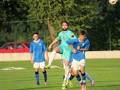 První kolo fotbalového okresního přeboru: Vrdy - Červené Janovice 3:1 (0:1).