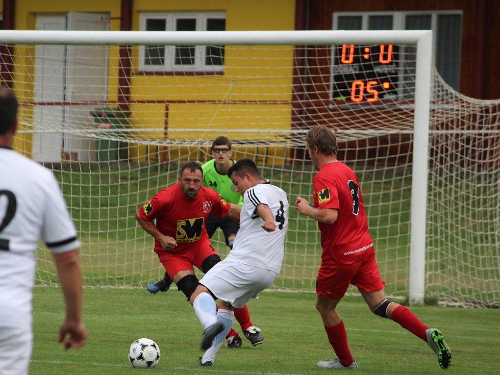 Fotbalová III. třída: TJ Sokol Červené Janovice - FK Uhlířské Janovice B 1:4 (0:0).