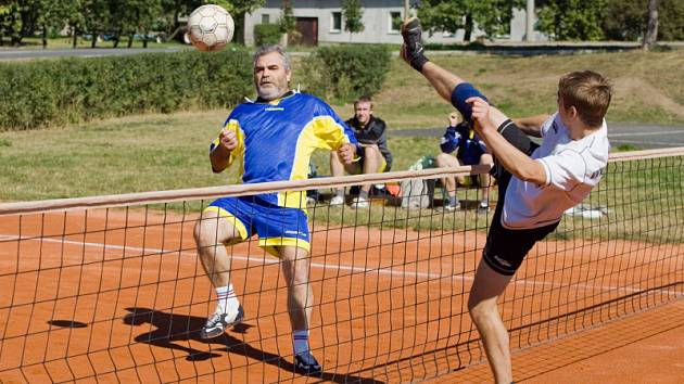 Z nohejbalového utkání Církvice B - Zruč n. S., sobota 13. září 2008
