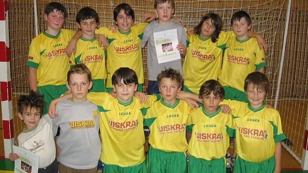 Mladší žáci Jiskry Zruč na turnaji v Chrudimi, kde obsadili druhé místo