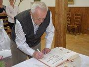65. výročí svatby slavili manželé Lebedovi ze Zbraslavic.