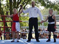 Mladý kutnohorský kickboxer Sebastien Macháček vyhrál i zápas v boxu.