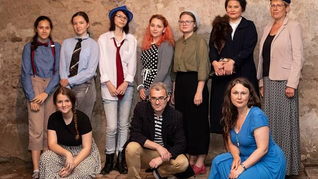 Larpové představení hry Jude Raus! Nadačního fondu dr. Dagmar Lieblové.