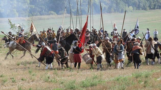 Rekonstrukce bitvy z počátku třicetileté války.