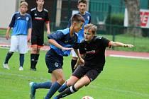 Z fotbalového přátelského zápasu starších žáků U15: FK Čáslav - SK Sparta Kolín 9:0 (3:0, 1:0, 5:0).