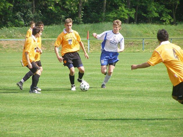 Z utkání dorostenecké divize st. dorost FK Kolín - st. dorost Čáslav 1:2, sobota 23. květba 2009