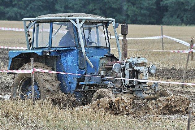 Sobota ve Zdeslavicích patřila traktoriádě.