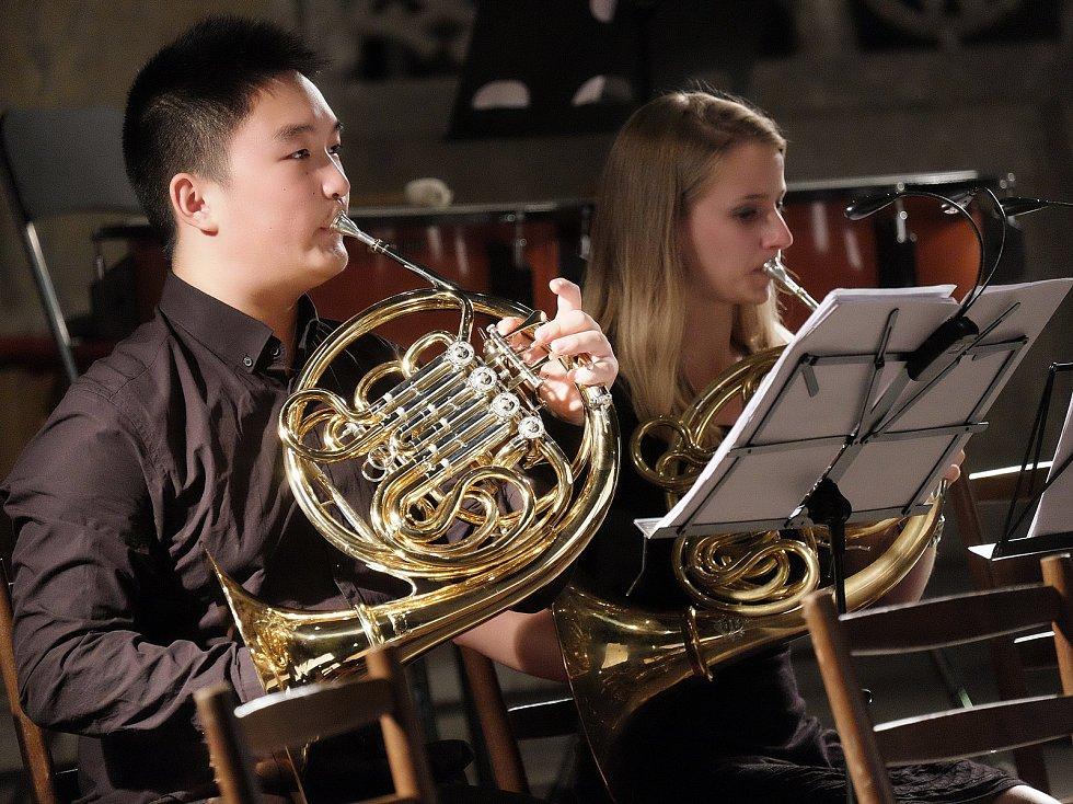 Z koncertu Festivalu Praha, klasika.. v kutnohorském chrámu sv. Barbory