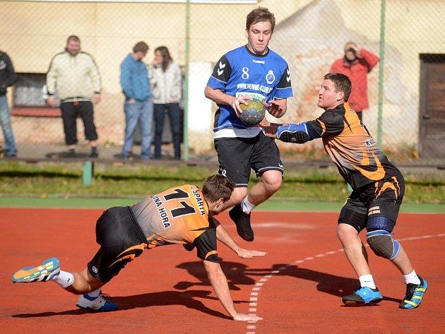 Kutnohorští házenkáři porazili Lokomotivu Vršovice, 13. října 2013.