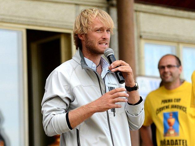 Známý rybář Jakub Vágner na 18. ročníku Pukma Cupu v Červených Janovicích, 25. července 2015.