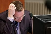 Martin Starý (Město pro lidi) na zasedání kutnohorského zastupitelstva.