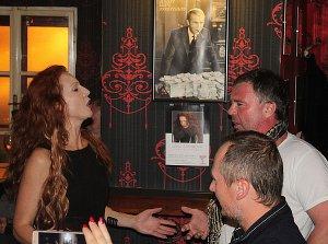 Jana Štěrbová zazpívala v Cocktail baru