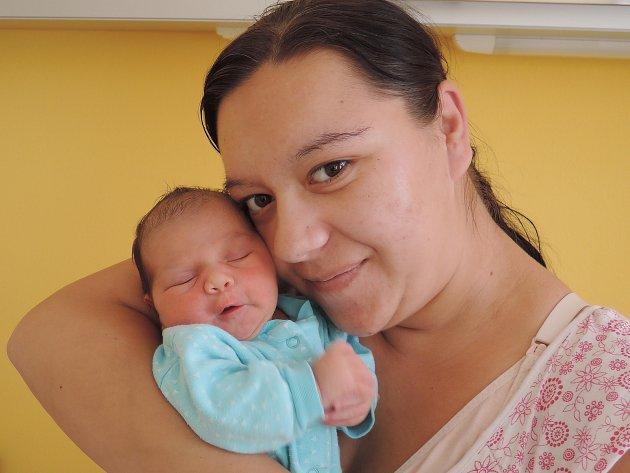 Julie Dandášová se narodila 20. července 2017 jako třetí dítko rodičům Sabině a Lukášovi z Čáslavi. Po porodu se pyšnila váhou 2960 gramů a mírou 46 centimetrů. Doma na ní netrpělivě čekají sestřička Sabinka a bráška Lukášek.