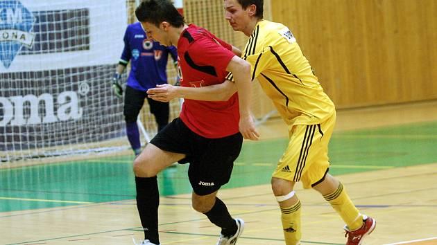 19. kolo Chance futsal ligy: Benago Zruč n. S. - Nejzbach Vysoké Mýto 7:6, 7. března 2012.